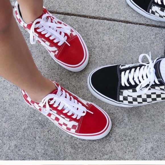 Red checkered vans. M 5bc3fb3ef414529cf44ec6b0 244649335